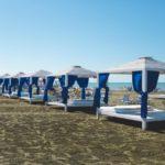 کلبه های چوبی در ساحل هتل آف باکو