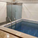 استخر روبسته در هتل بسفر باکو