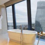 سرویس بهداشتی و حمام اتاق های هتل فیرمونت باکو