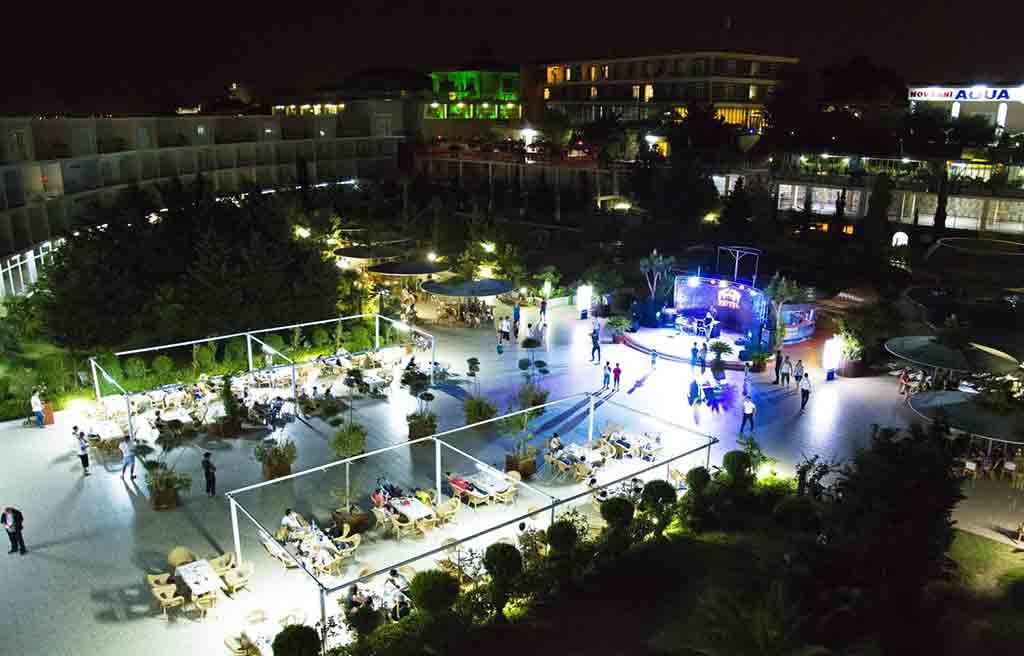 af-Hotel-courtyard-1
