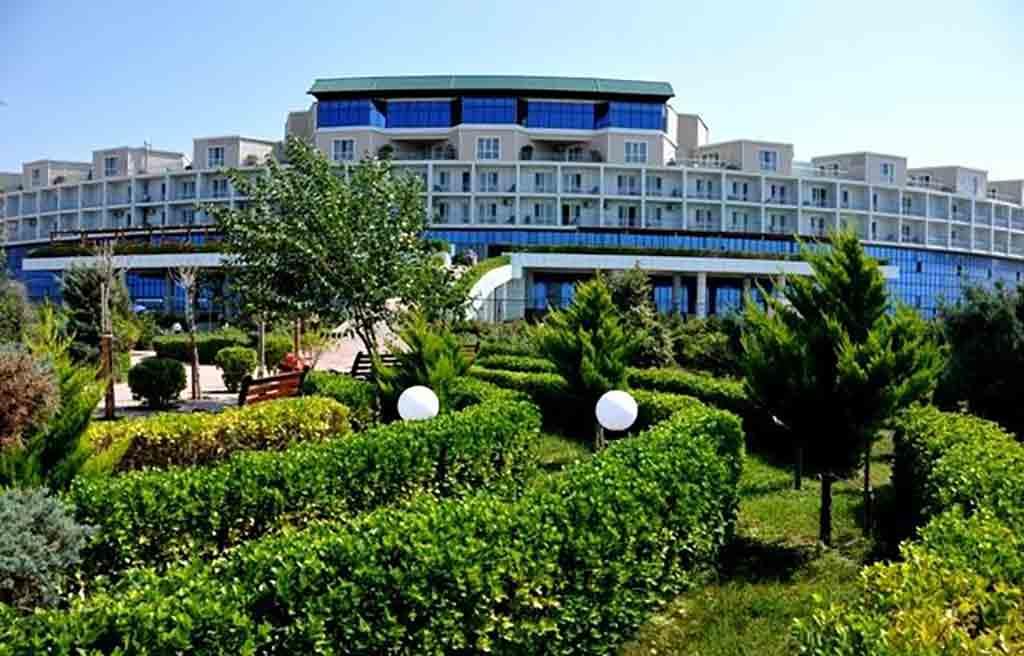 af-Hotel-courtyard-3