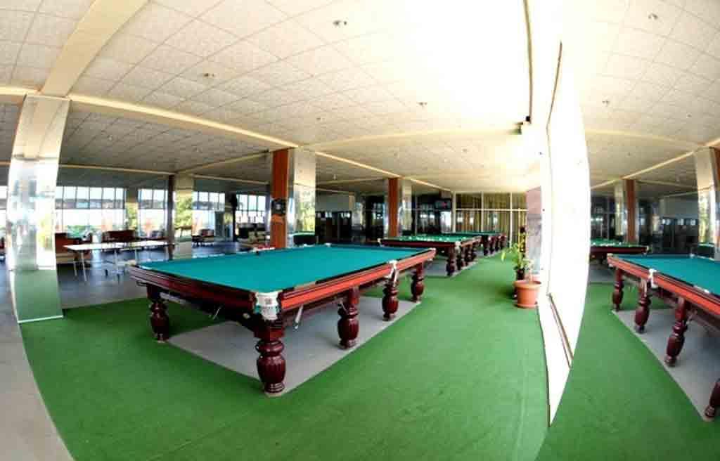 تصویری از سالن بیلیارد هتل آف باکو