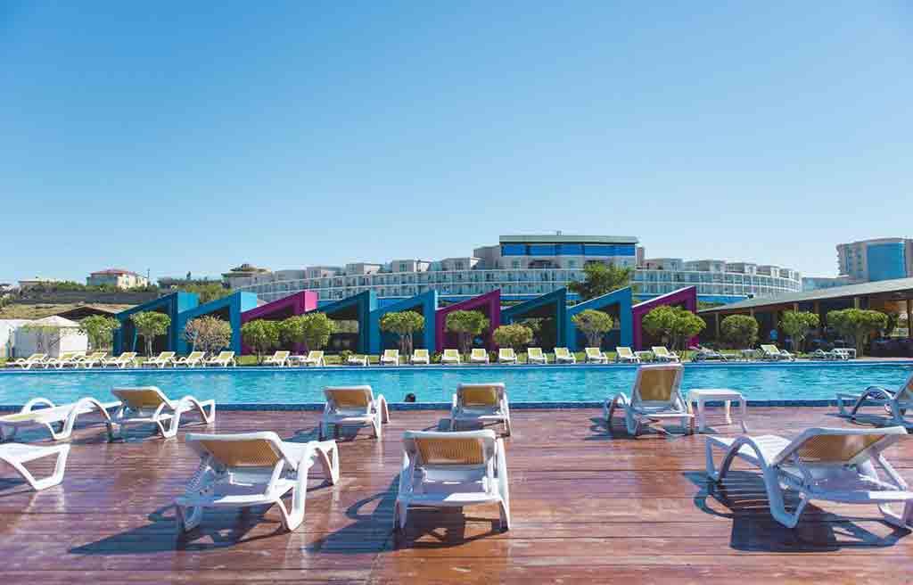 af-hotel-pool-4