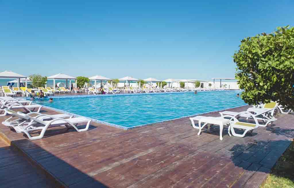 af-hotel-pool-7