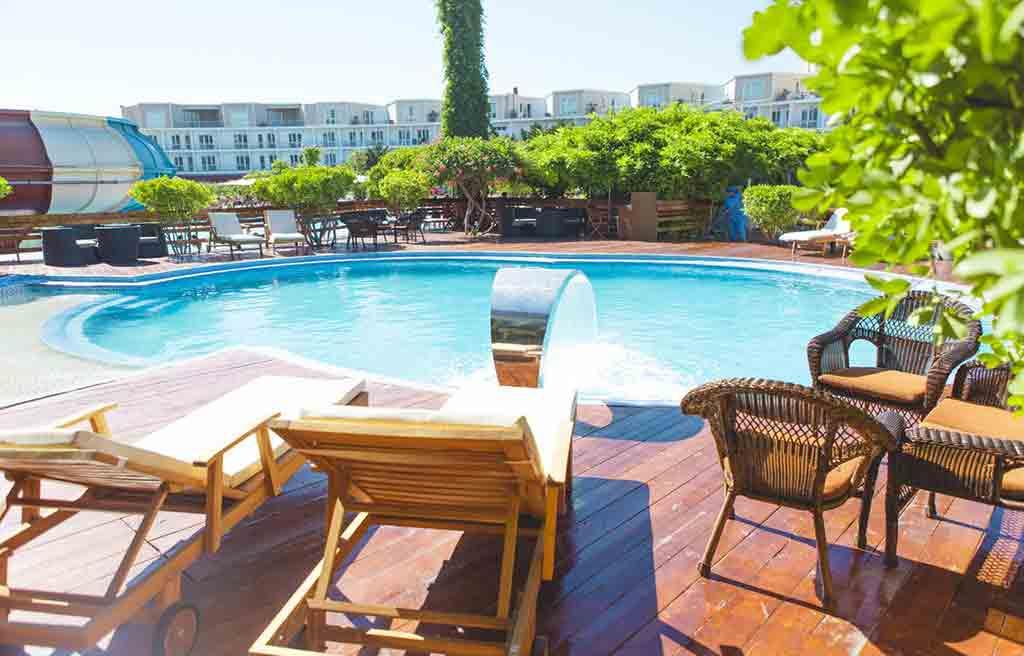af-hotel-pool-9