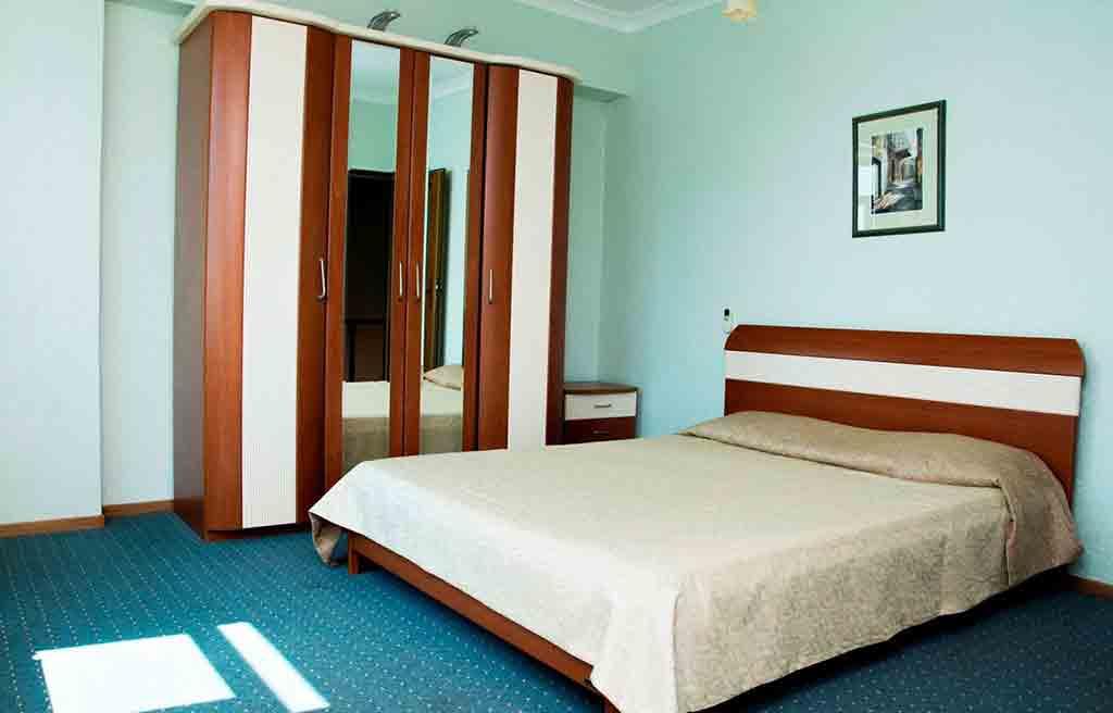 af-hotel-room-2