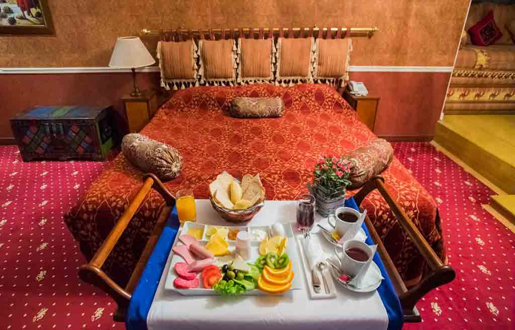 caspian-palace-hotel-rooms-1