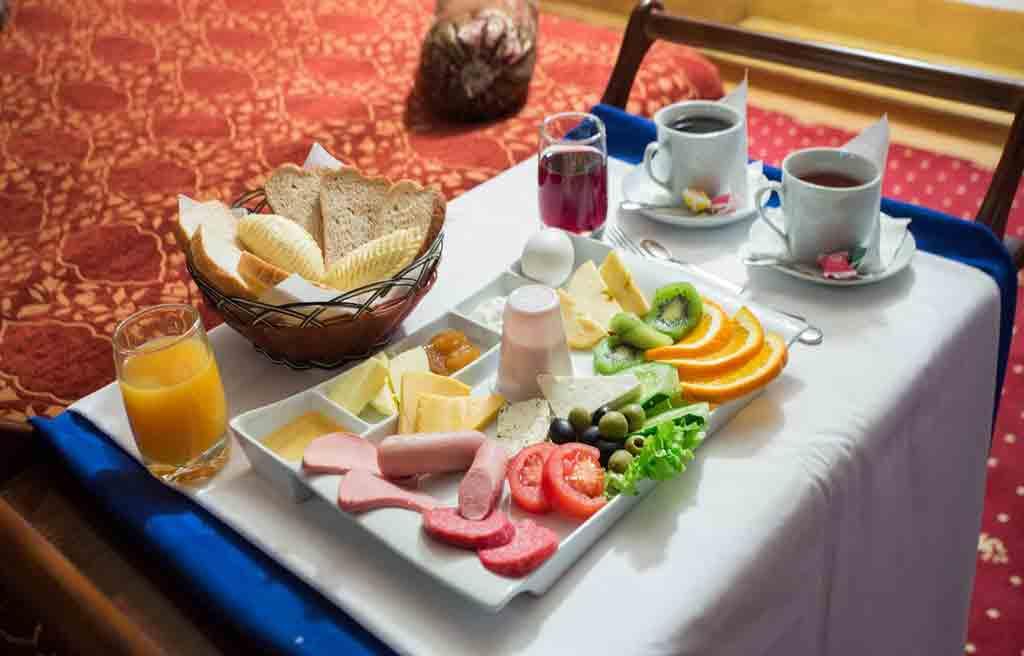 صبحانه در هتل کاسپین پالاس باکو