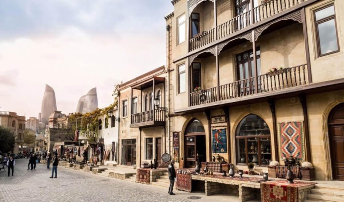 تصویری از محوطه ایچری شهر یا شهر قدیمی باکو