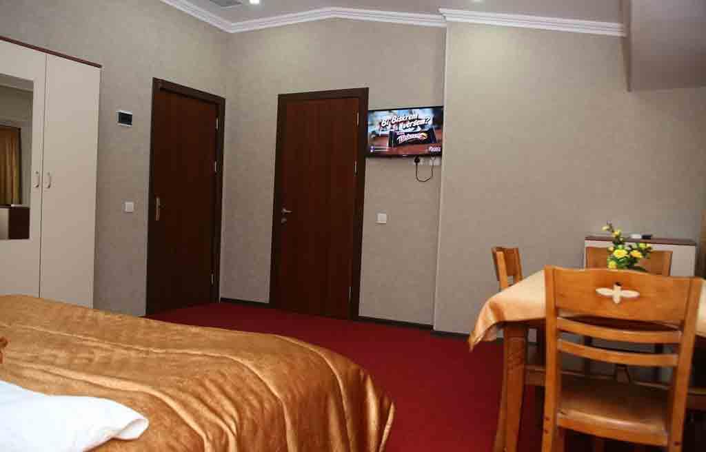 تصویری از داخل اتاق های هتل ریوا باکو