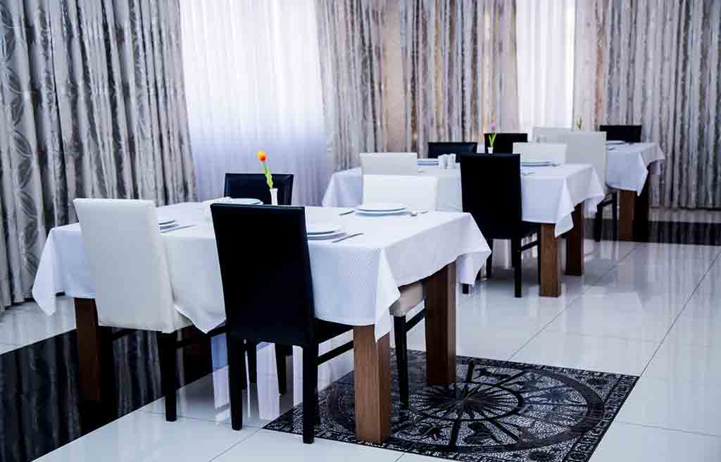 رستوران هتل تراول باکو