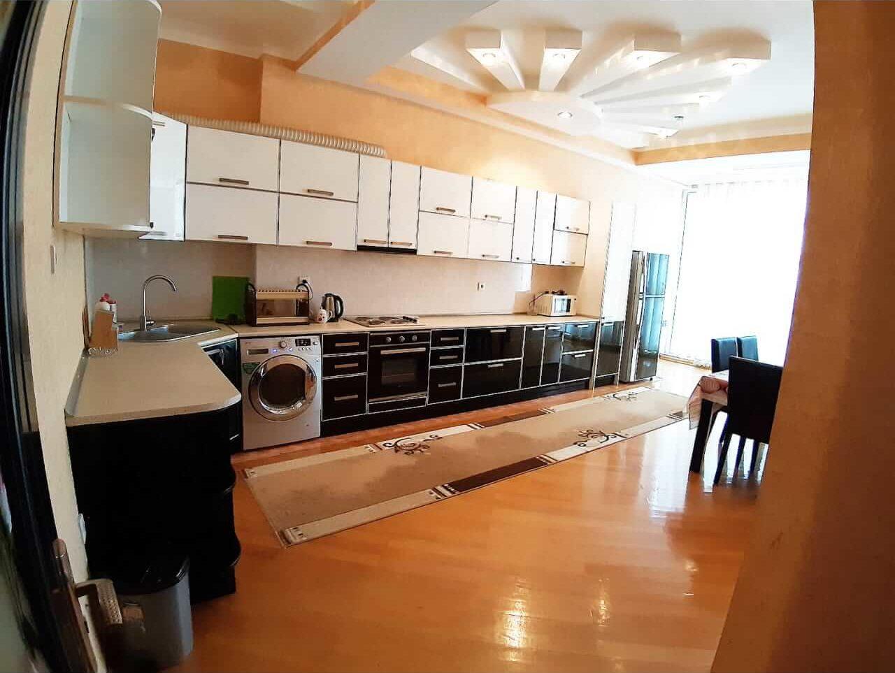 آشپزخانه آپارتمان شماره 2