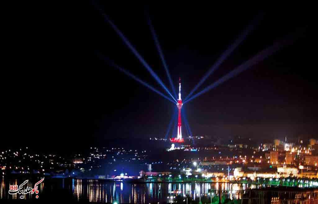 تصویری از برج تلویزیون باکو در شب