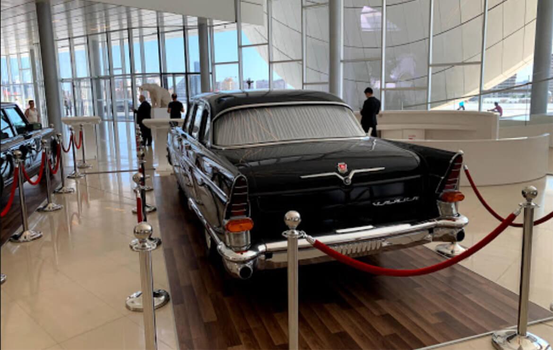 نمایشگاه ماشین های کلاسیک مرکز فرهنگی حیدر علی اف