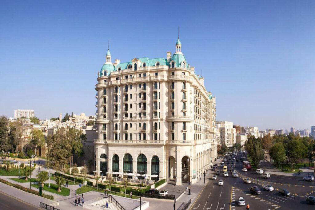 تصویری از ساختمان هتل فورسیزن باکو