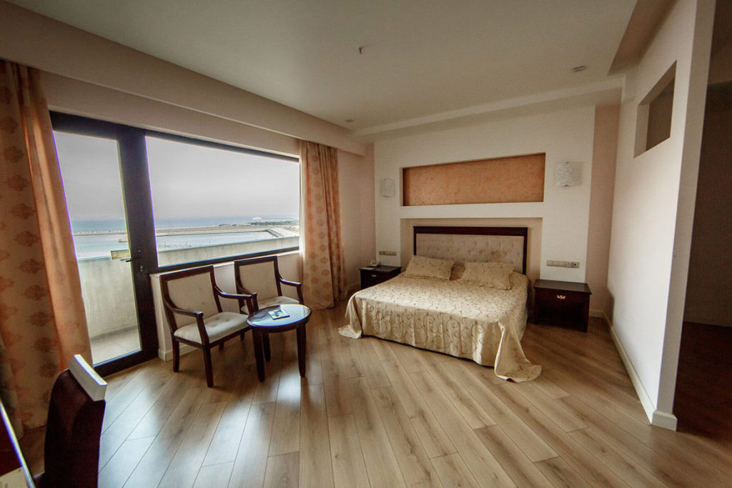 اتاق دابل هتل کرون باکو