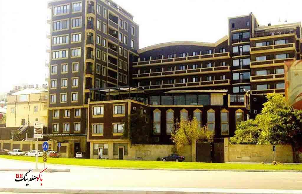 تصویری از ساختمان هتل کرون باکو