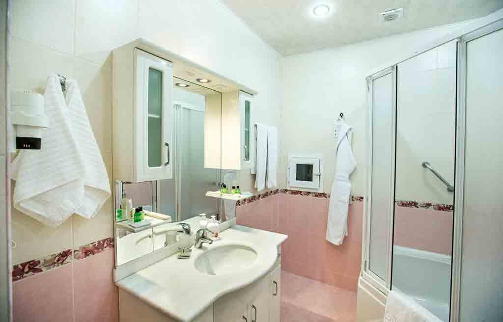 anatolia-hotel-rooms-bath-2