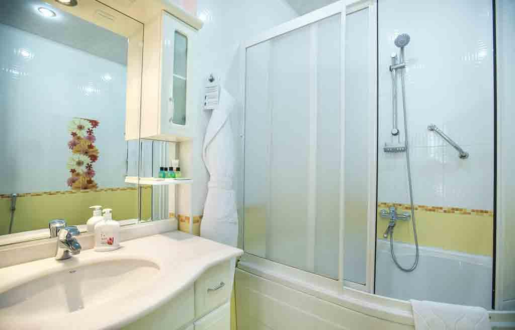 anatolia-hotel-rooms-bath