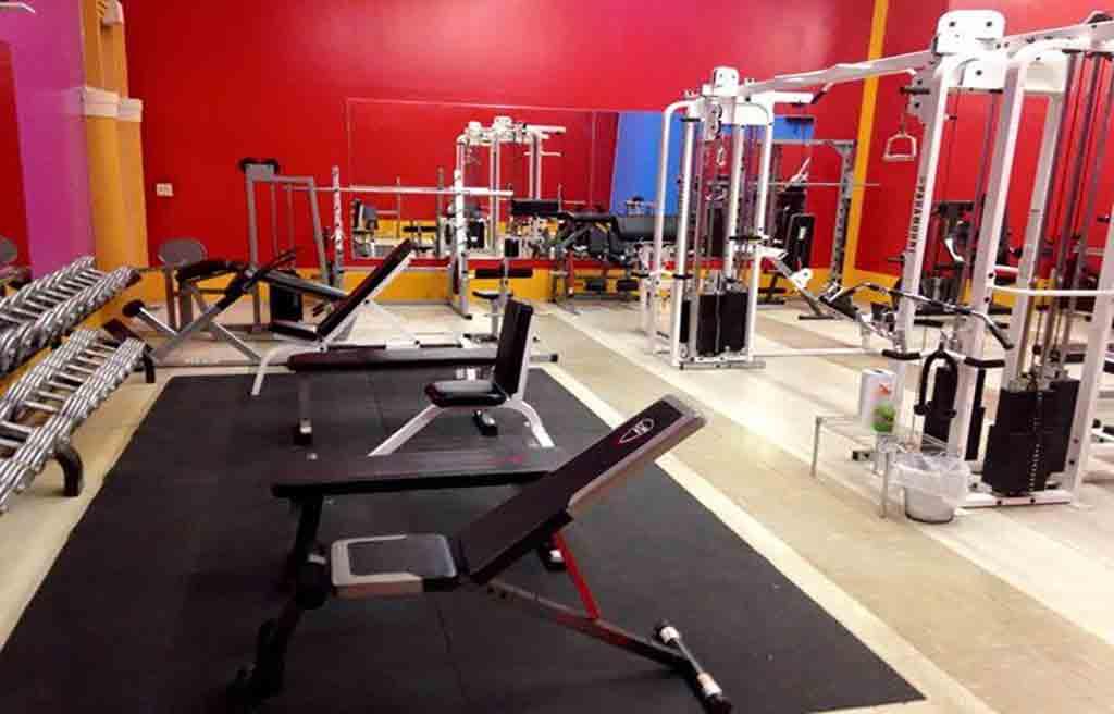 avand-hotel-gym