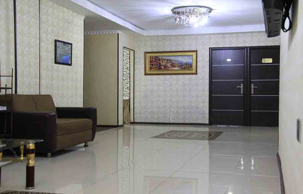 avand-hotel-lobby