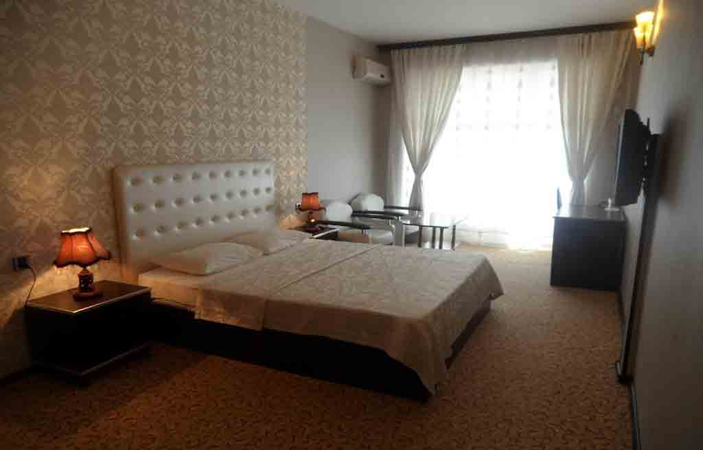 avand-hotel-rooms-4