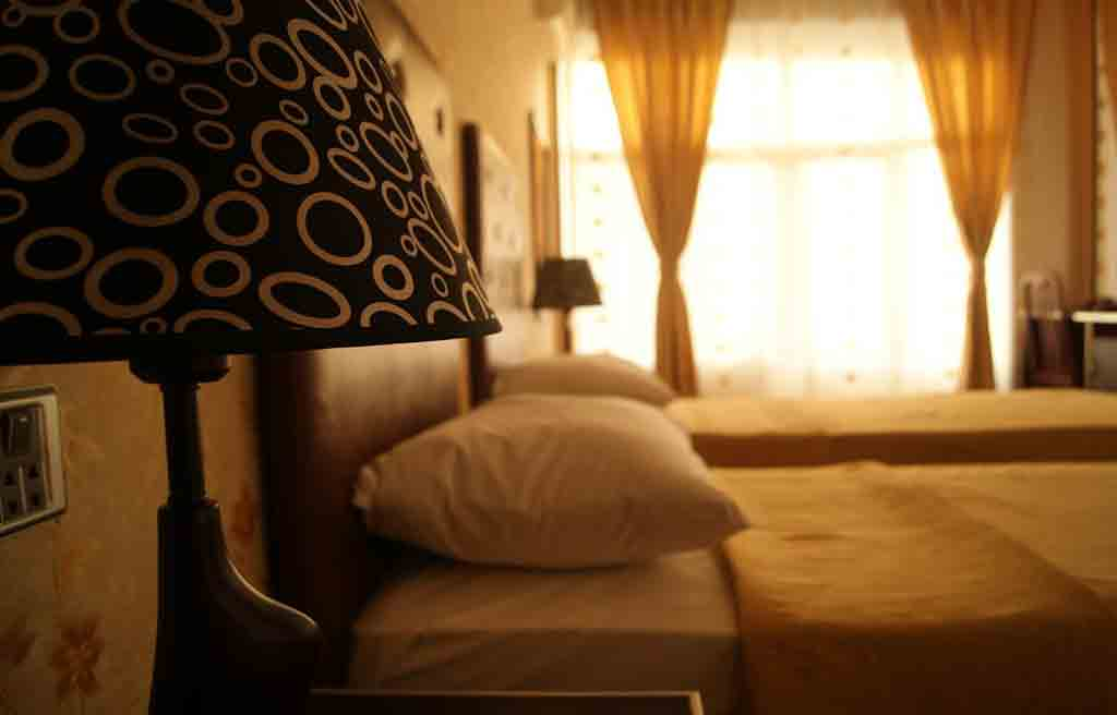 avand-hotel-rooms