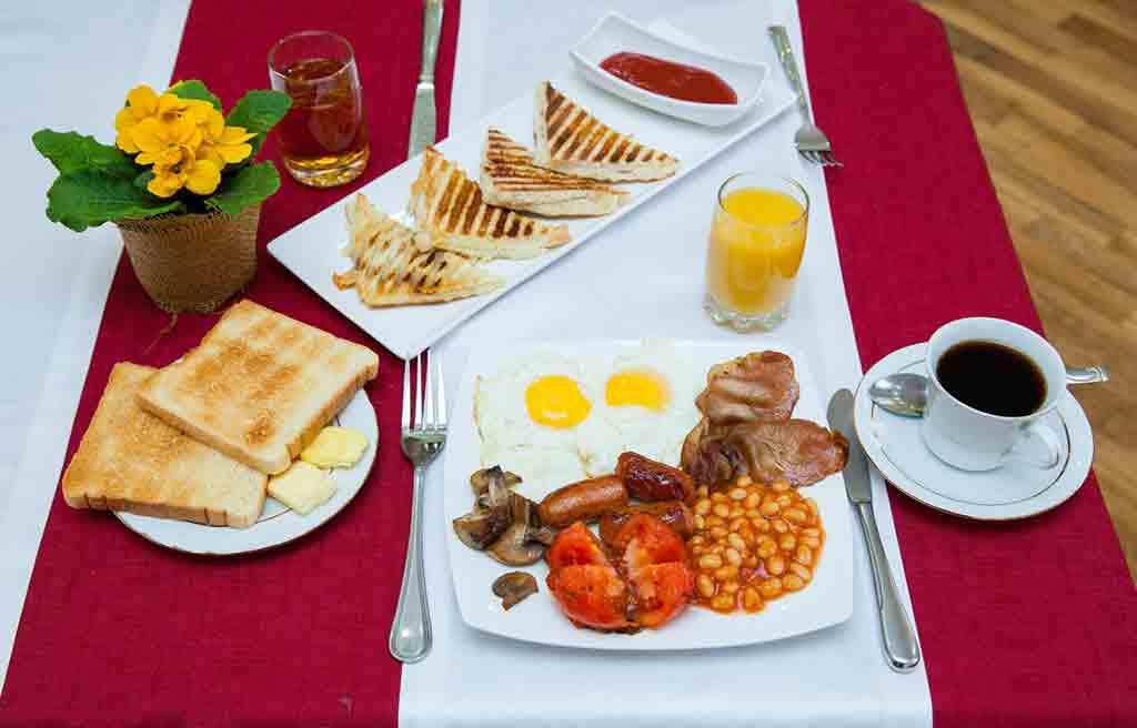 azcot-hotel-breakfast-1