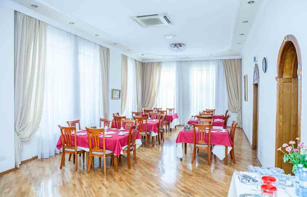 azcot-hotel-restaurant-1