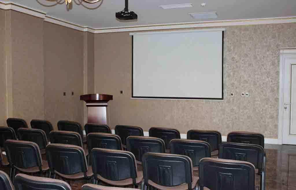 boulevard-side-hotel-conference-hal
