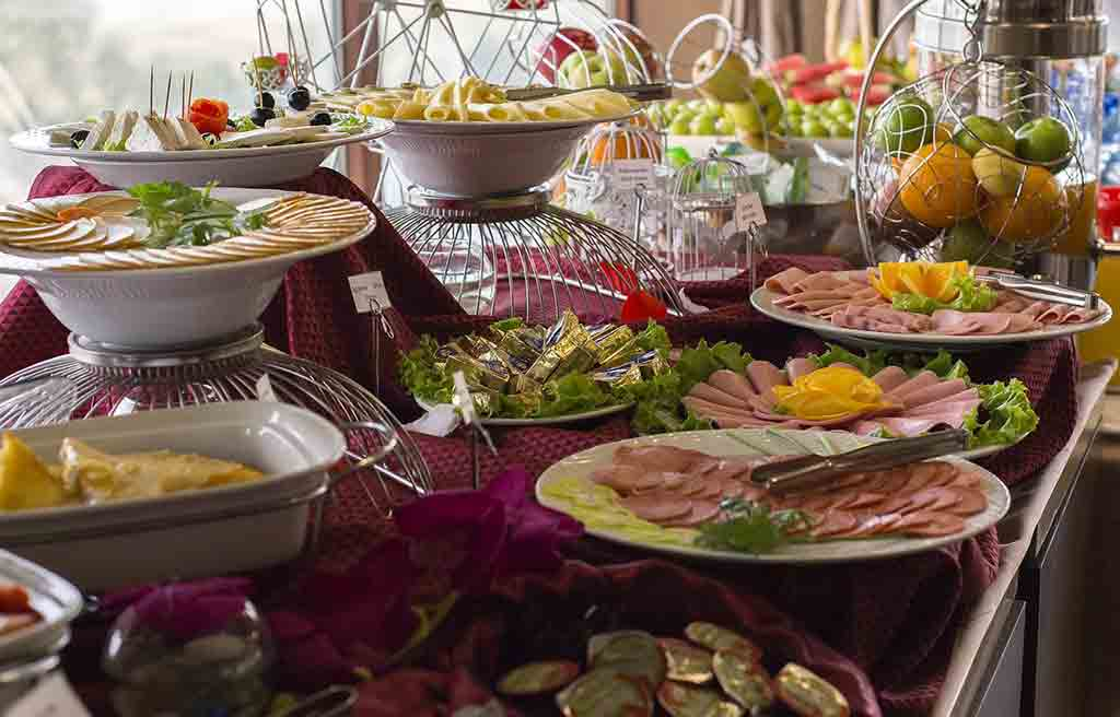 boulevard-side-hotel-food