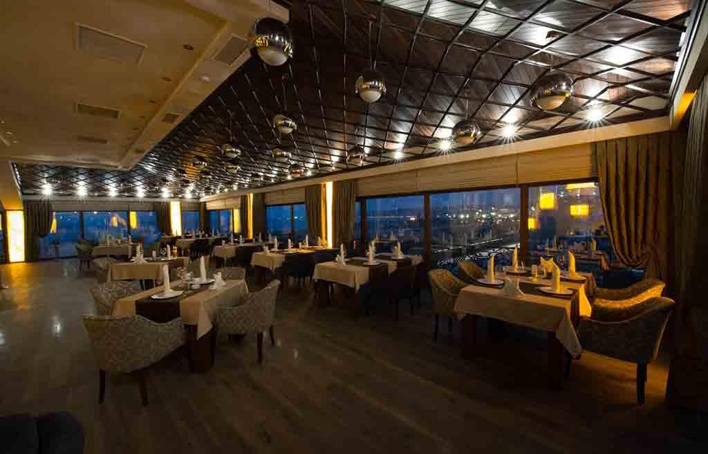 boulevard-side-hotel-restaurant-1