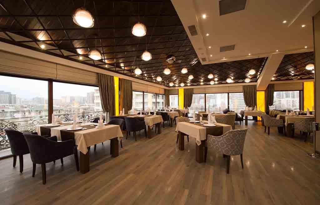 boulevard-side-hotel-restaurant-2
