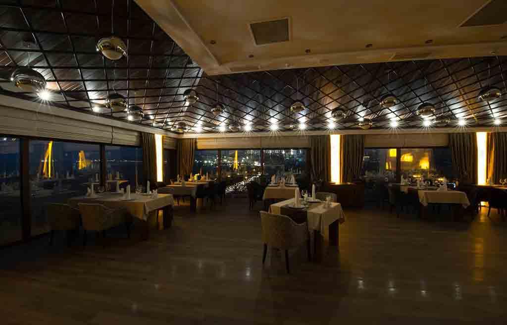 boulevard-side-hotel-restaurant-3