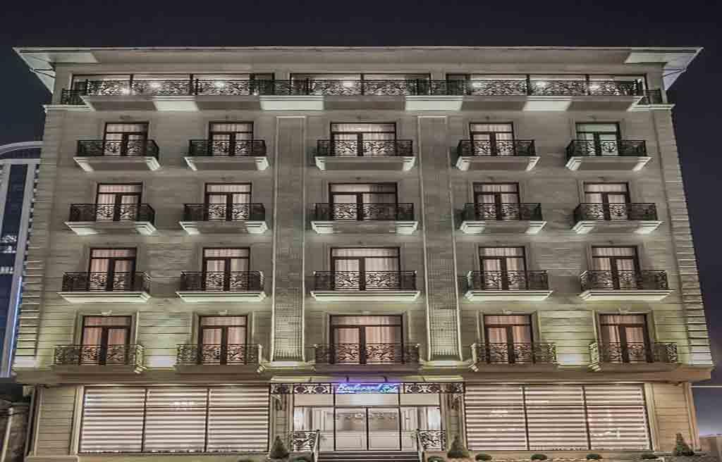 تصویری از ساختمان هتل بلوار ساید باکو