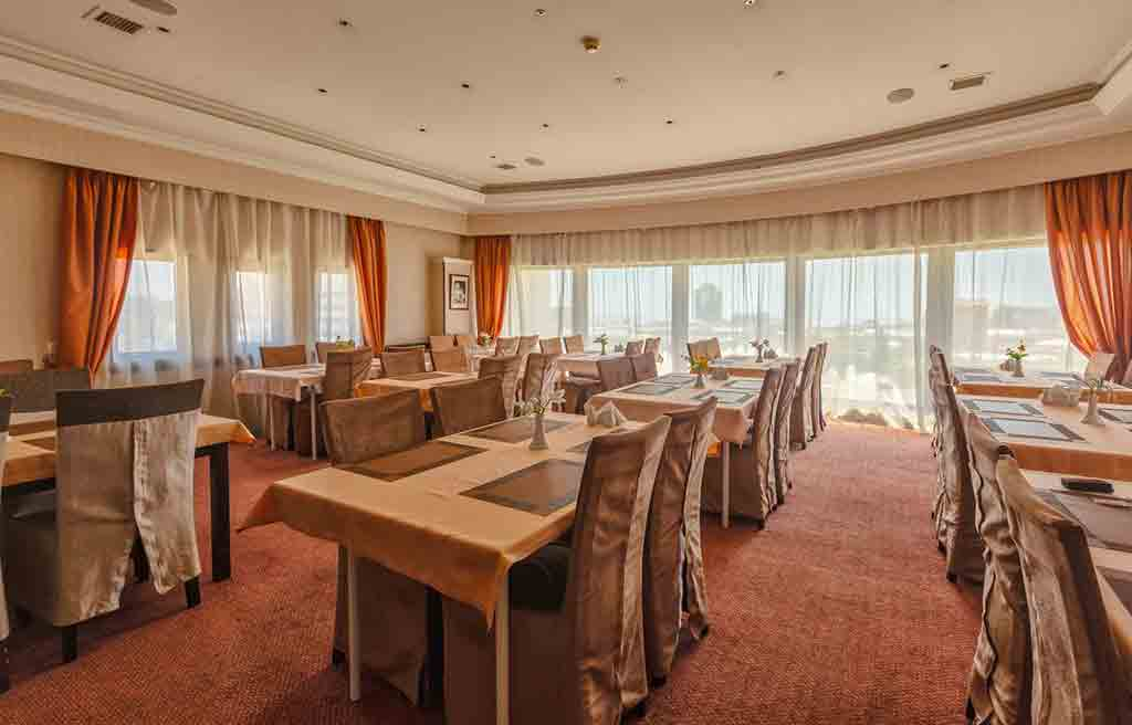 diplomat-hotel-restaurant-1