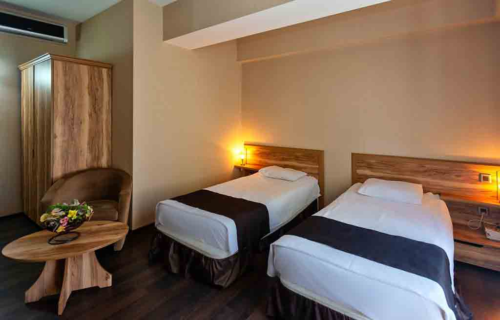 diplomat-hotel-rooms-1