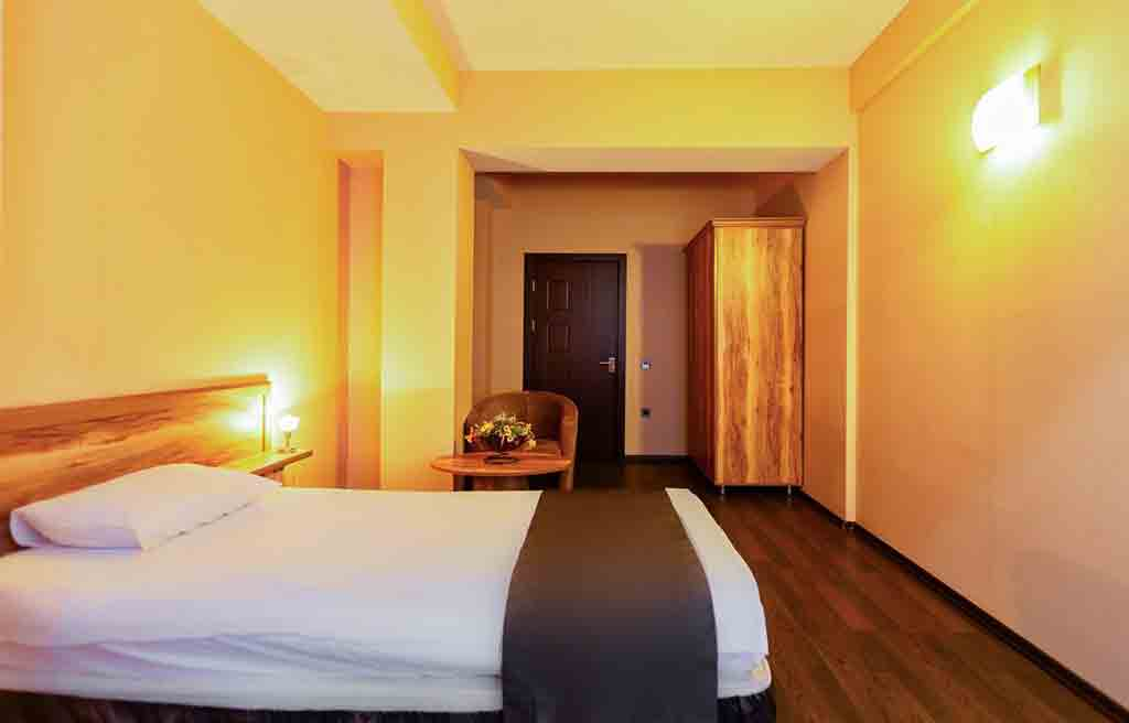 diplomat-hotel-rooms-3