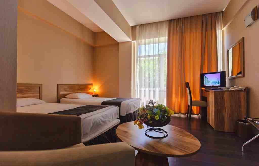 diplomat-hotel-rooms-4