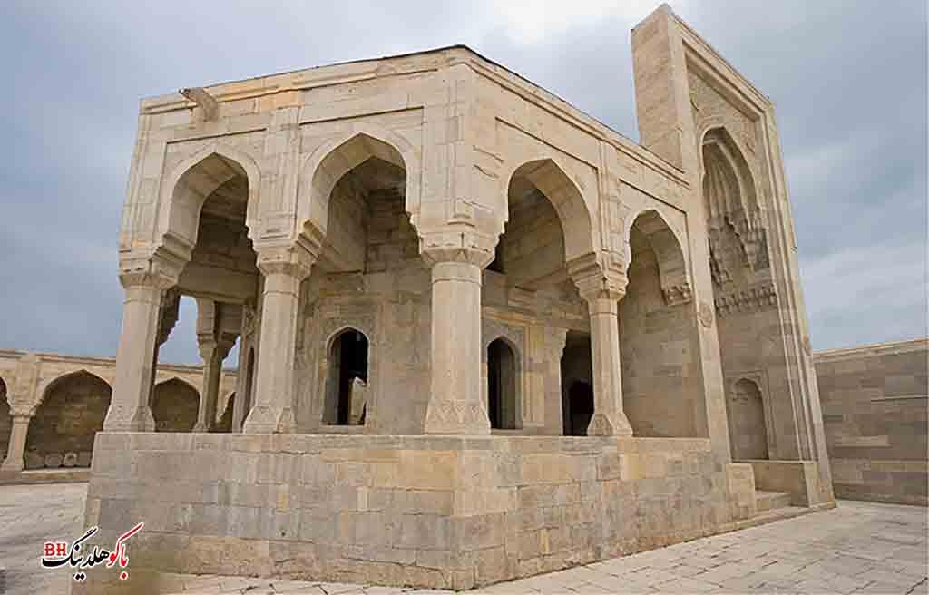 تصویری از دیوانخانه در کاخ شیروانشاهان