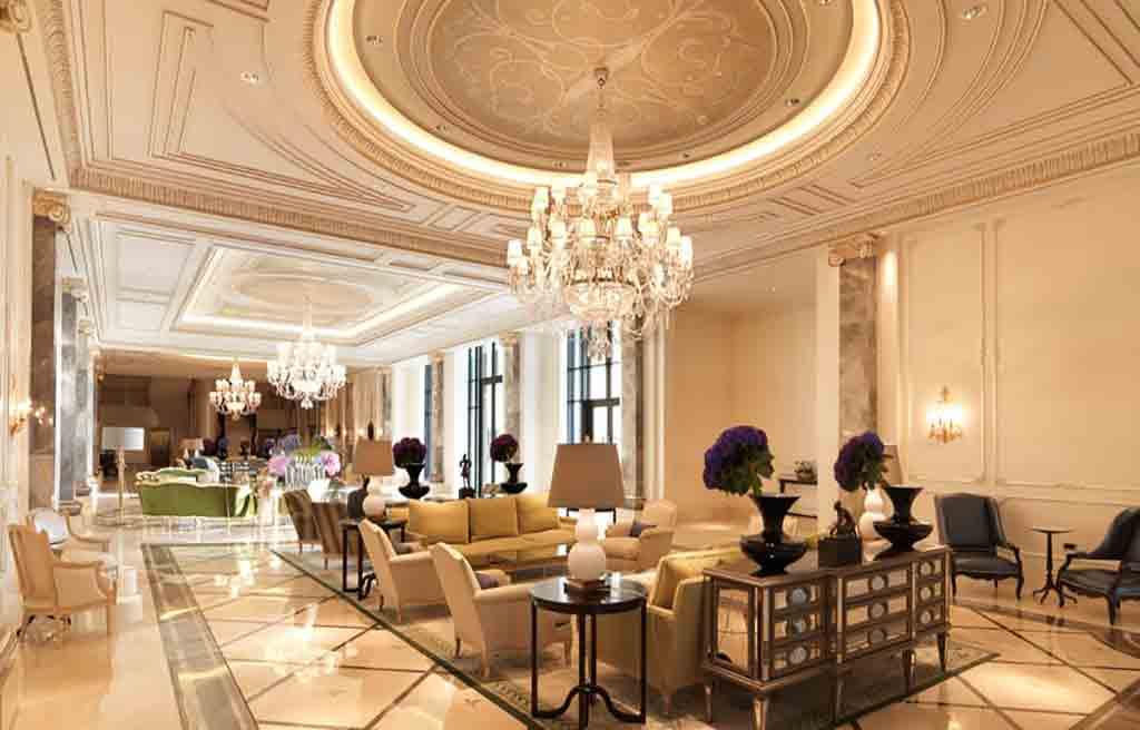 four-season-hotel-lobby