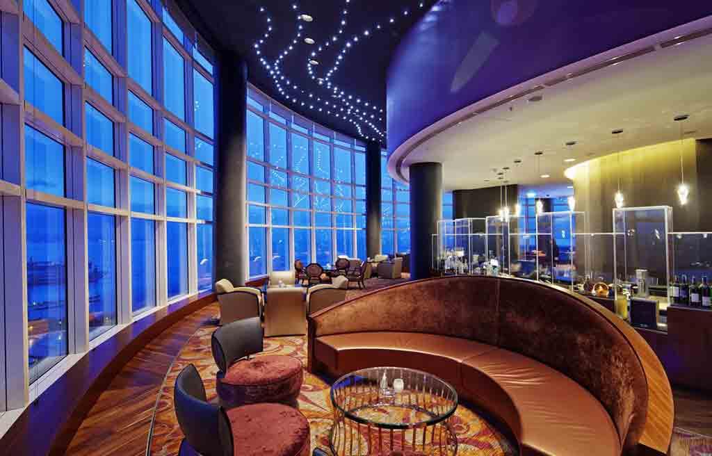 hilton-hotel-bar-2