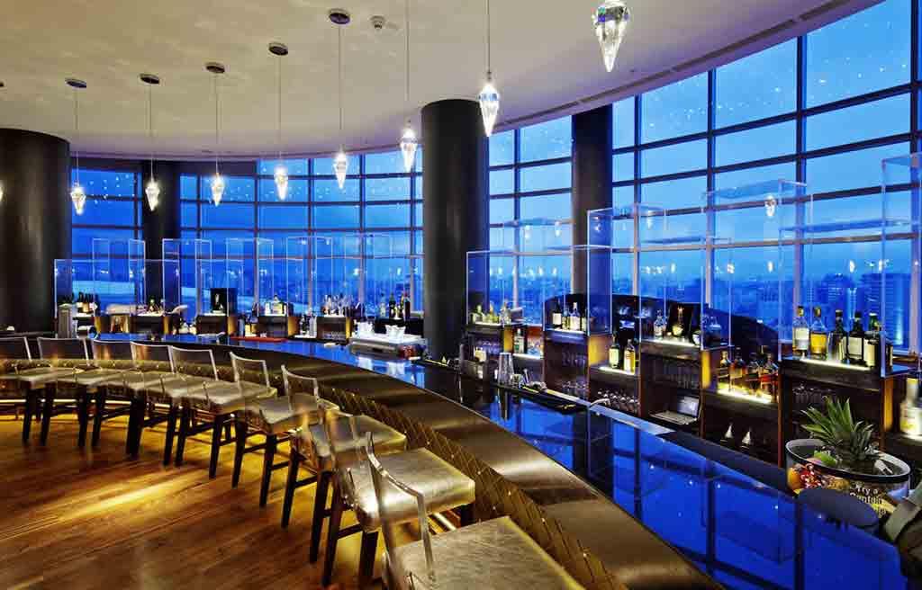 hilton-hotel-bar-3