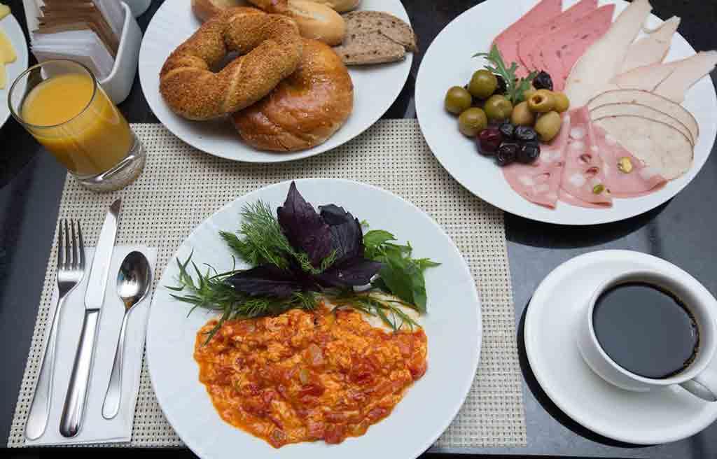 hilton-hotel-breakfast