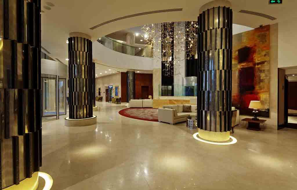hilton-hotel-lobby