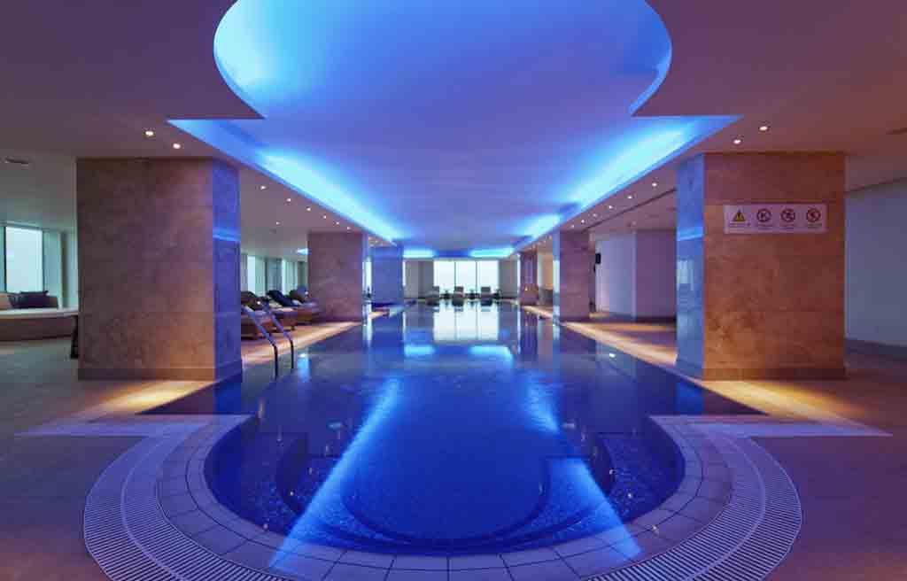 hilton-hotel-pool