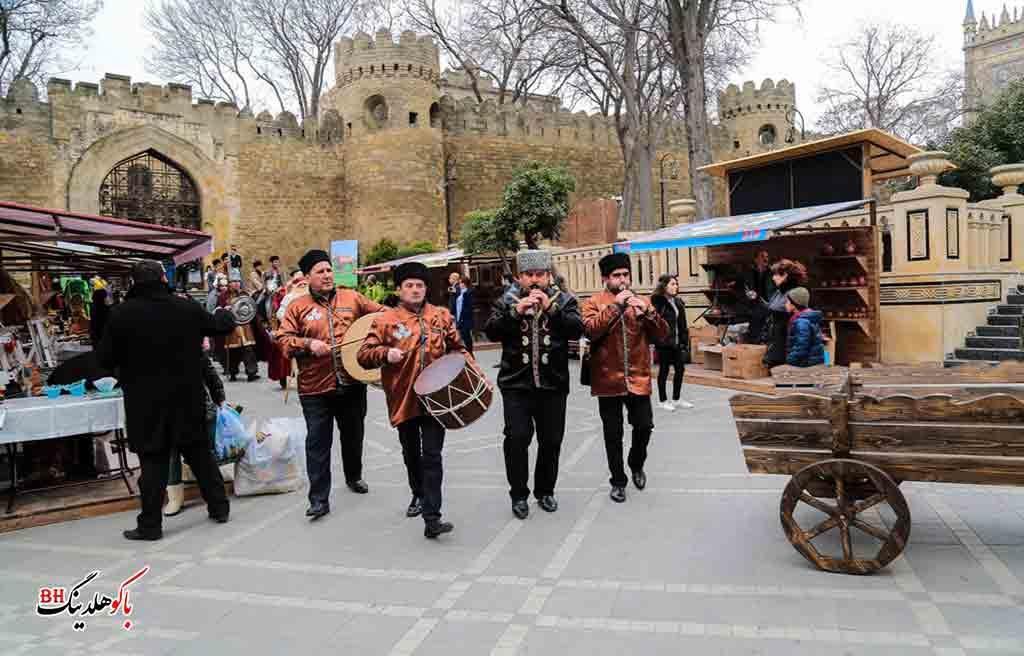 تصویری از نوازندگان آذری در باکو و تور باکو نوروز