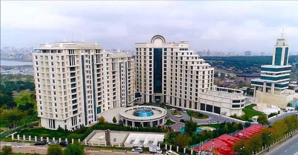 تصویر بالا از هتل پولمن باکو
