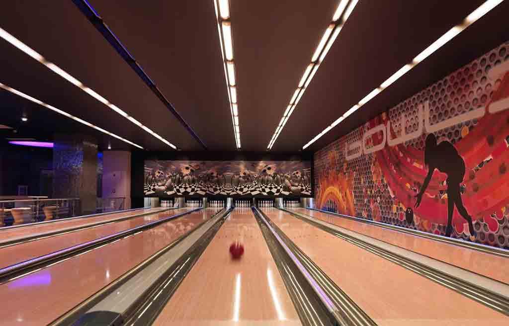 pullman-hotel-bowling