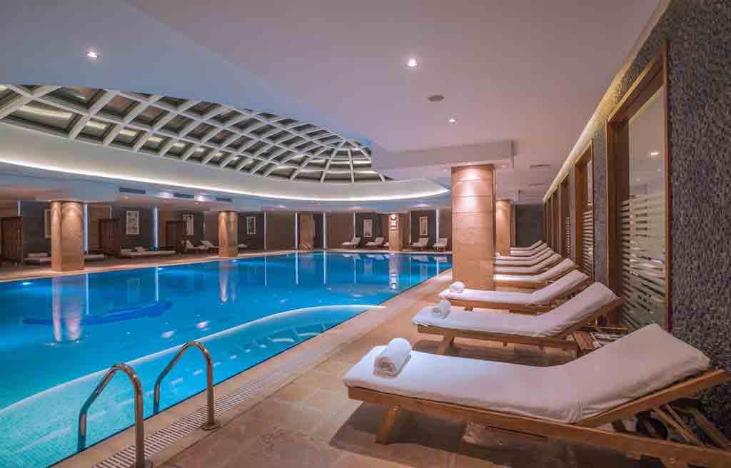 pullman-hotel-pool-1